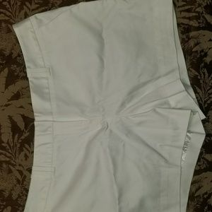 Worthington Shorts - {Worthington} Modern Fit white shorts, sz 10P